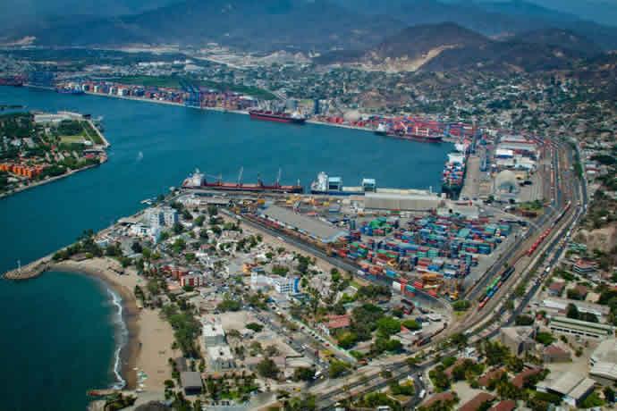 Trabajadores portuario en Manzanillo tienen colusión entre narcos y personal de aduanas:FGR