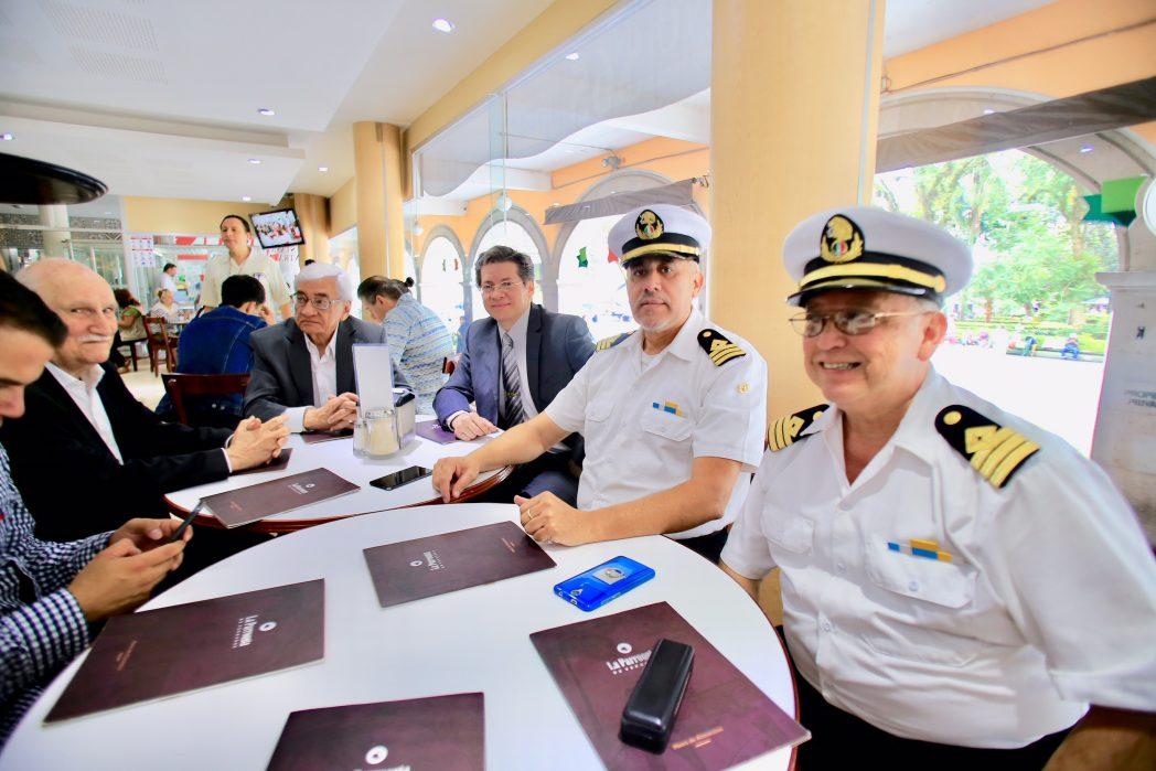 Marinos mercantes promoverán juicios de amparo para impedir la militarización de la Marina Mercante Nacional
