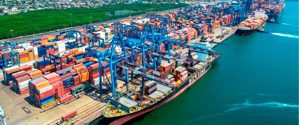 Por Covid-19 cae en un 6.3% el movimiento de carga en Manzanillo