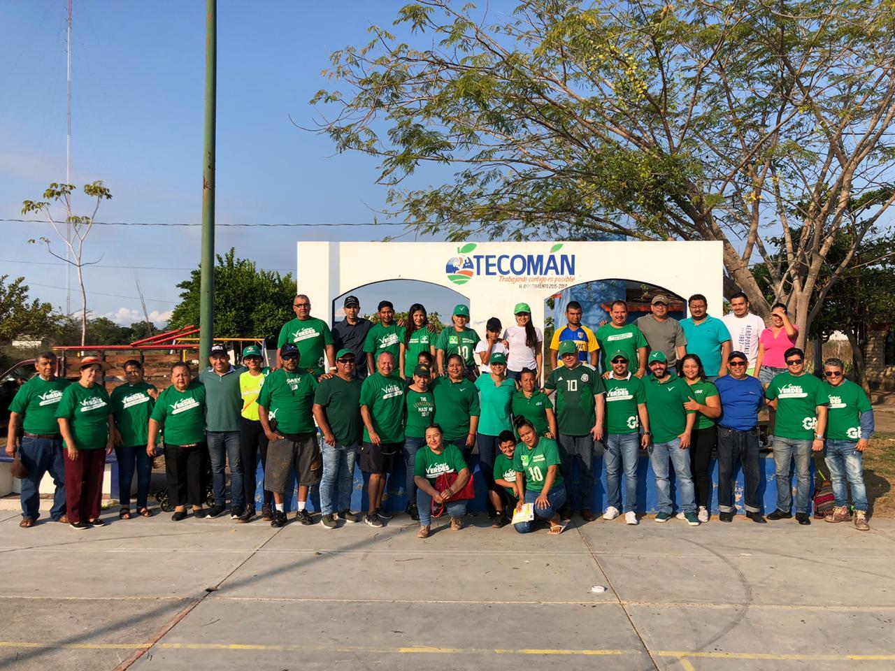 Renueva Virgilio Mendoza área pública en Tecomán